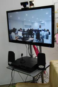 沖縄ラボとは常時PS3のテレビ電話がつながっている。
