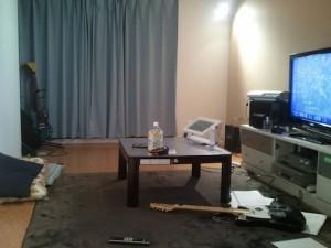とある開発スタッフの住んでいる部屋。