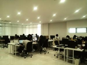 ラボのオフィス全景写真