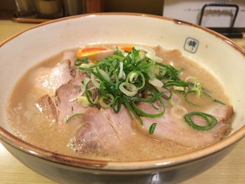味玉チャーシュー麺。
