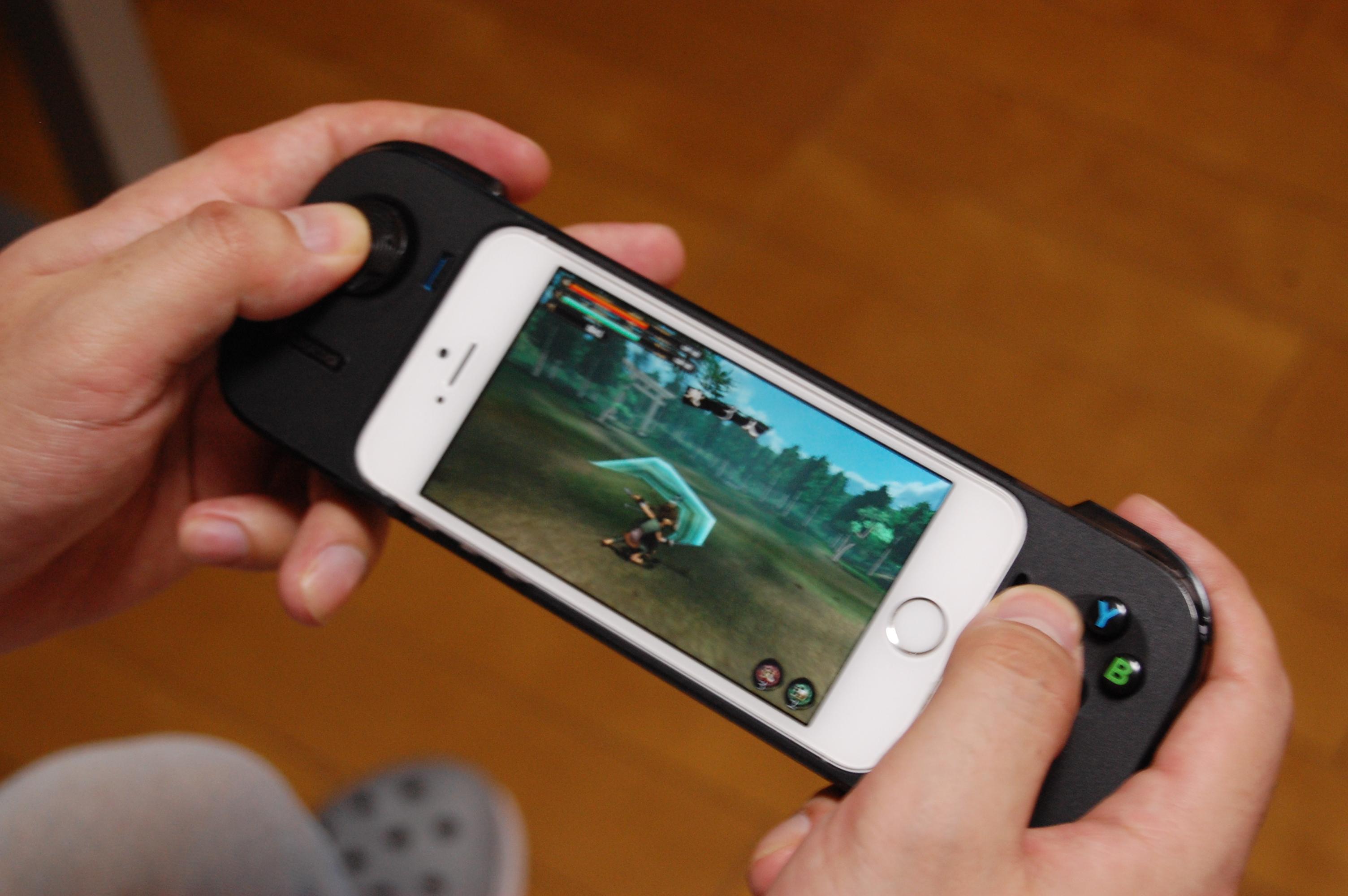 「Logicool® G550 Powershell controller + battery」のようなスマートフォン向けゲームパッドにも対応!