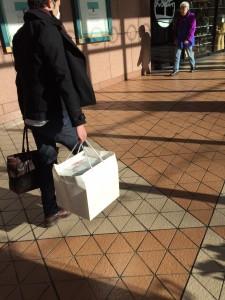 この巨大な箱の中身は・・・?