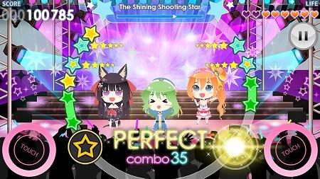 リズムゲームはミニサイズになったアイドルたちが踊る姿がキュート!