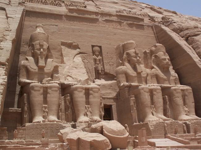 エジプト第六王朝期から存在する遺跡 画像出典:https://ja.wikipedia.org/wiki/エジプト第6王朝