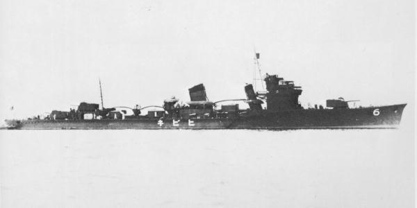 竣工時の「響」 画像出典:https://ja.wikipedia.org/wiki/響 (吹雪型駆逐艦)