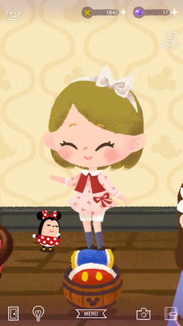 ミニーちゃんは女の子らしく挨拶したり!
