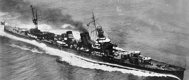 就役2年後 主砲が単装砲 画像出典:https://ja.wikipedia.org/wiki/加古_(重巡洋艦)