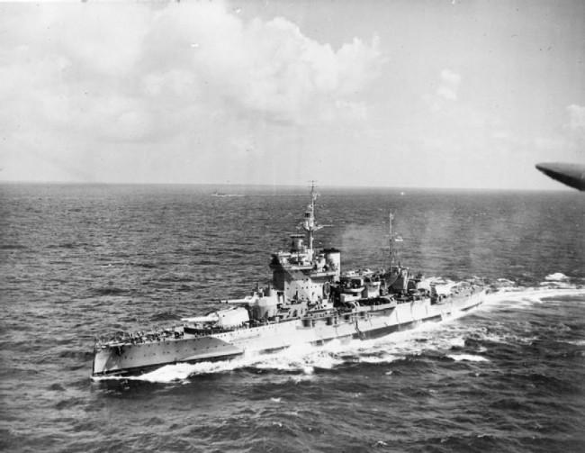 ウォースパイト (戦艦) 画像出典:https://ja.wikipedia.org/wiki/ウォースパイト_(戦艦)
