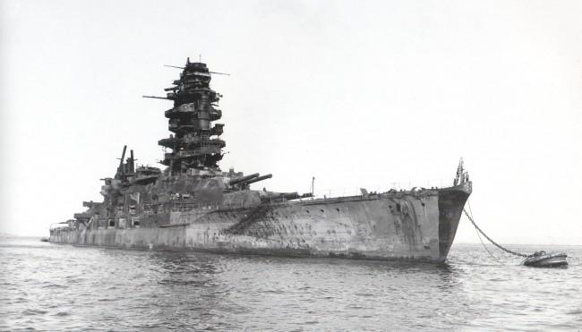 終戦時の長門 画像出典:https://ja.wikipedia.org/wiki/長門_(戦艦)