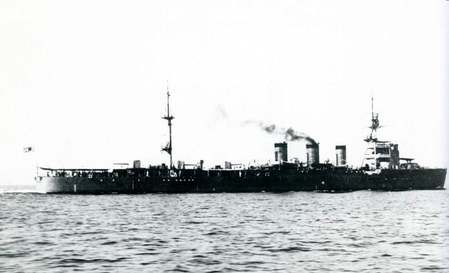 画像出典:https://ja.wikipedia.org/wiki/名取_(軽巡洋艦)