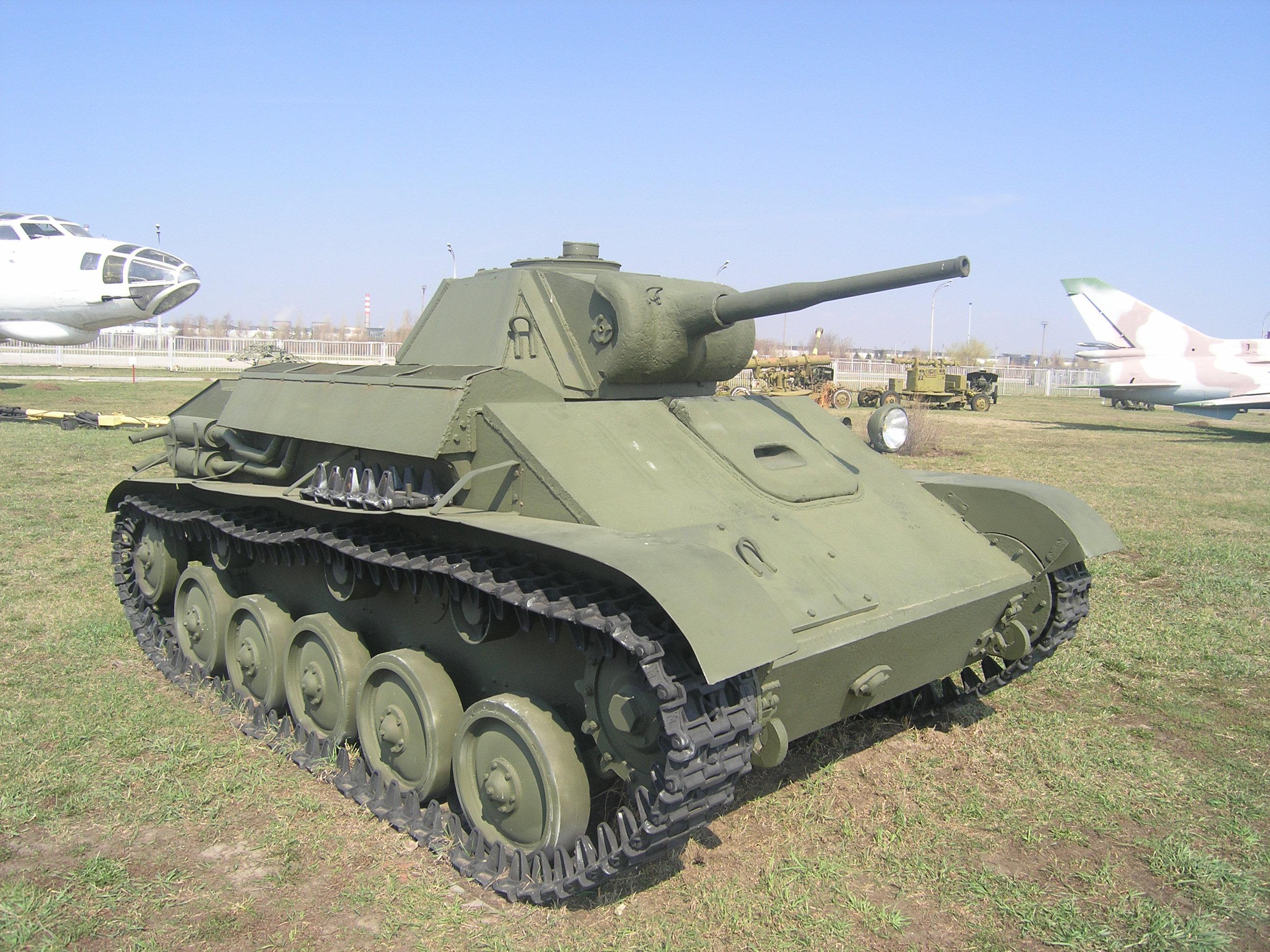 T-70 画像出典:https://ja.wikipedia.org/wiki/T-70_(戦車)