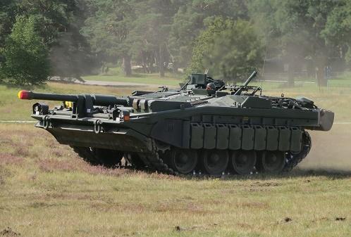 Strv 103 画像出典:https://ja.wikipedia.org/wiki/Strv.103