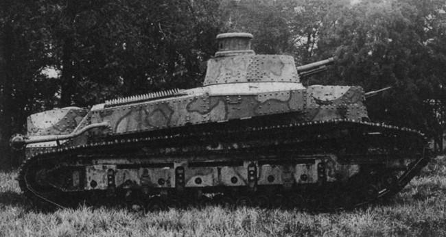 試製一号戦車 画像出典:https://ja.wikipedia.org/wiki/試製一号戦車