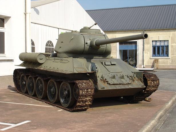 T-34 画像出典:https://ja.wikipedia.org/wiki/T-34