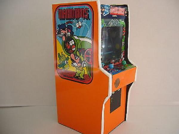 画像出典:http://www.sekaimon.com/gb/171922/Arcade+Machines/181551401831/